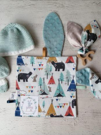 Coffret cadeau, tissu ours, lapins et tipis
